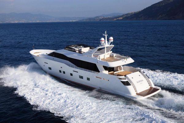 Где можно арендовать роскошную яхту?