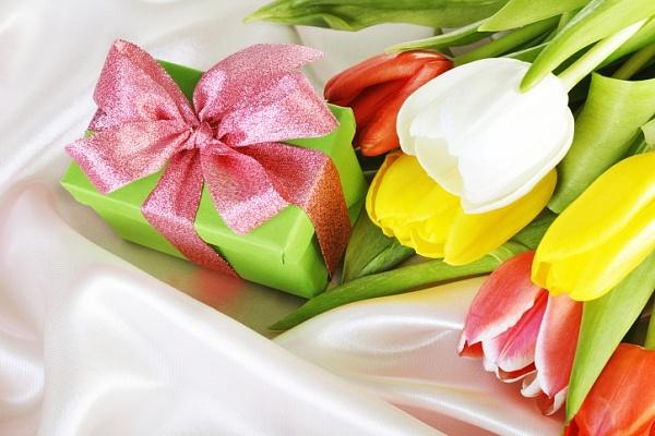 Идеи подарка для мамы на 8 марта