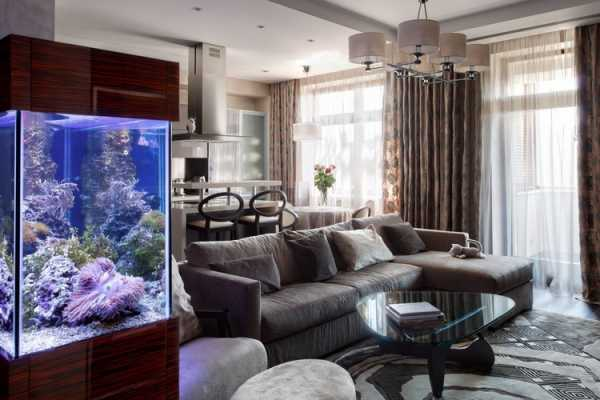 Необычный интерьер с аквариумами