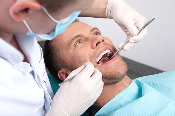 Когда нужно посещать стоматолога?