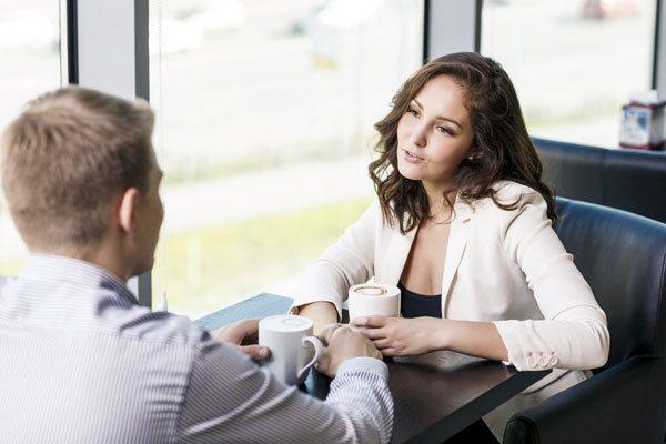 Какие вопросы можно задавать мужчине при знакомстве в интернете?
